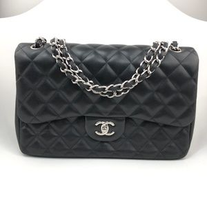 SOLD🔥CHANEL Quilted Jumbo Double Flap Classic